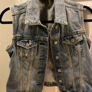 Gap Jean vest size small.
